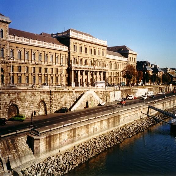 Budapeşte Corvinus Üniversitesi