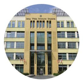 Varşova Sosyal Bilimler ve Psikoloji Üniversitesi (SWPS)