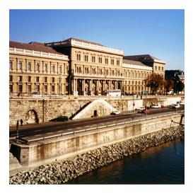 Budapeşte Corvinus Üniversitesi Macaristan